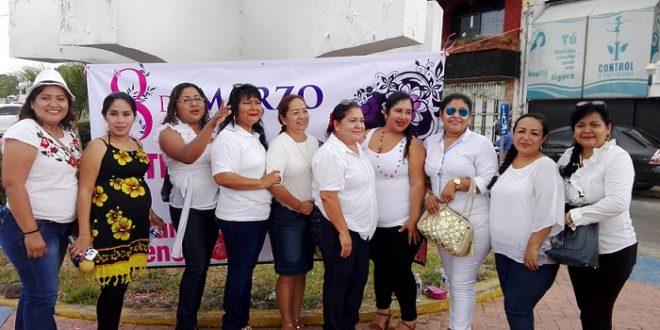 Mujeres periodistas, conmemoran el Día de la Mujer