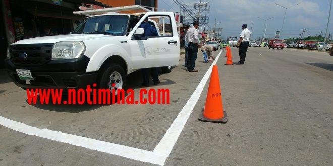Instala Ayuntamiento de Minatitlán señalamientos viales