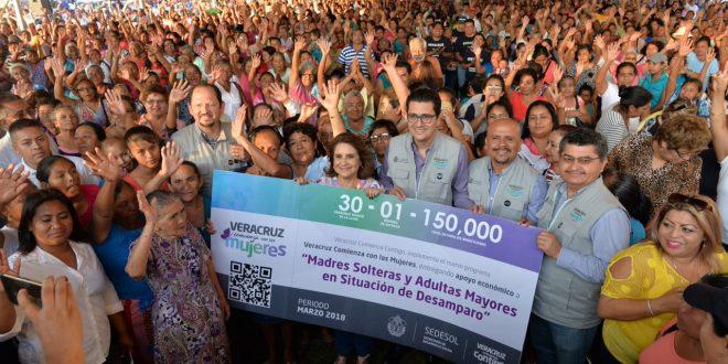 Veracruz comienza con las mujeres da inicio en Minatitlán