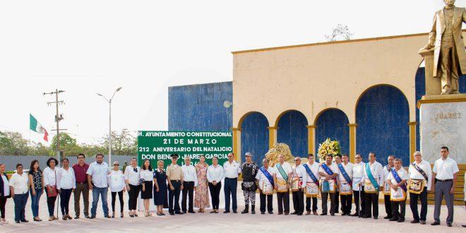 Ayuntamiento de Minatitlán celebrá natalicio de Benito Juárez