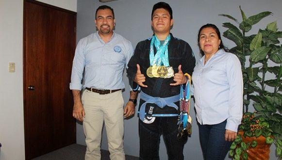 Alumno del TEC de Mina campeón Internacional en el arte marcial Jui Jitsu