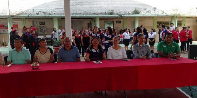 """Exitoso Concurso de Escoltas de Padres de Familia de la Escuela Artículo 123 """"Presidente Miguel Alemán"""" Dirección 1 T/M."""