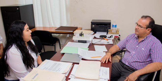 Ayuntamiento de Minatitlán; denuncia a extrabajadores que tienen tomada instalaciones del palacio municipal