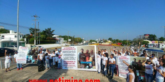 FAMILIARES DE MINATITLECOS DESAPARECIDOS PIDEN APOYO DEL GOBERNADOR PARA LOCALIZARLOS