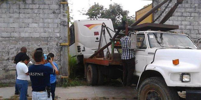 Recuperan camión robado a la Cooperativa Santa Clara.